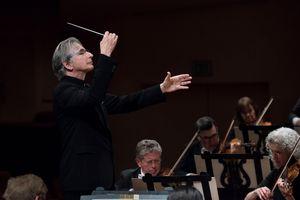 MTT Conducts Mahler's Fourt...