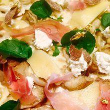 Super Gold Pizza