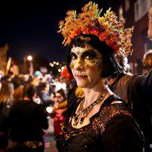 Dia de los Muertos - Day Of The Dead Procession and Festival of Altars