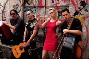 Jenny and the Mexicats w/ B...