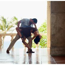 LEARN SALSA NOW! Beginning Salsa Dance Lesson, Live Band Dance Party