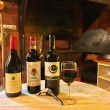 Tommaso's Celebrates National Wine Day!