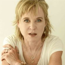 KRISTIN HERSH TO PERFORM AT SWEDISH AMERICAN HALL